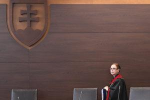 Predsedníčka Ústavného súdu Ivetta Macejková prichádza na zasadnutie pléna. (Ilustračné foto)