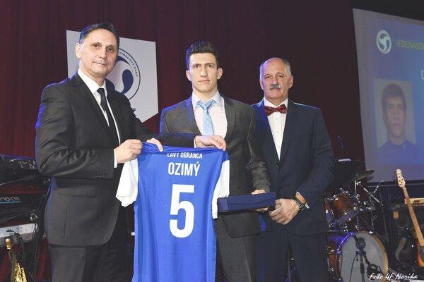 Rastislav Ozimý ako najlepší ľavý obranca v Jedenástke ZsFZ.