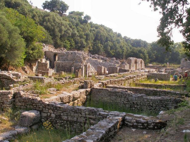 K zaujímavostiam Albánska patrí aj rozsiahle archeologické nálezistko Butrint