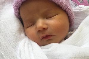 Eliška Gareková sa narodila rodičom Dominike a Erikovi z Liesku. Na svet prišla 24. januára, vážila 3550 g a merala 50 cm. Doma sa z nej teší braček Eriček.