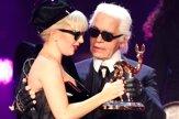 Obliekal známe ženy, ikona Lagerfeld bol neprehliadnuteľný
