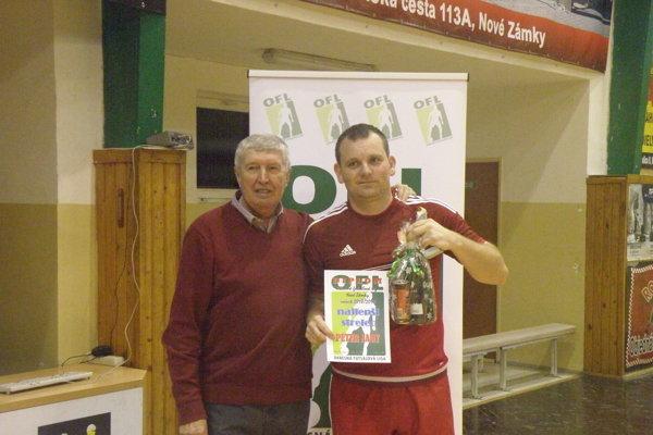 Anton Dragúň s najlepším strelcom ligy Petrom Nagyom