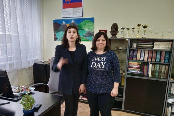 Slávka Sitarčiková (vľavo) aLenka Jandušíková. Na študenta Jána Kuciaka spomínajú len v pozitívnom duchu.