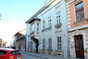 Dnes je v dome Pamätná výstava Sándora Máraia.