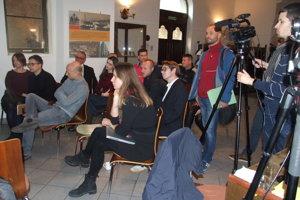 Účastníci konferencie sa rozdelili do pracovných skupín.