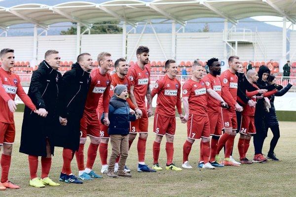 Futbalisti FC ViOn sa tešili zo štvrtého víťazstva v sezóne.