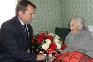 Jubilantke zablahoželal starosta Pukanca Ján Rievaj.