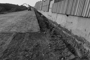 Pohľad na výstavbu diaľničného úseku z Liptovského Hrádku do Hýb.