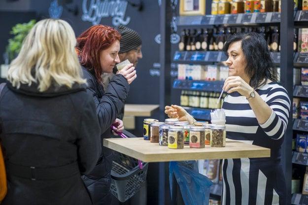 V Bratislave na Tomášikovej ulici otvorili nový supermarket Yeme.