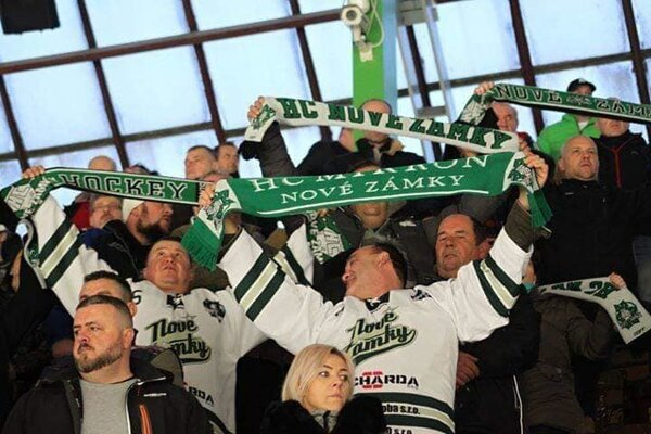 Hokej je momentálne najpopulárnejším športom v Nových Zámkoch.