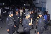 Policajné zložky po samovražednom útoku na Severnej Sumatre.