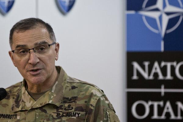 Veliteľ spojeneckých síl Severoatlantickej aliancie v Európe, americký generál Curtis Scaparrotti.
