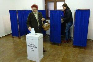 V Bátovciach už odvolila aj Marta Udvardyová.
