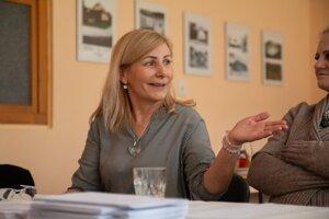 Podpredsedníčka okrskovej volebnej komisie v Hornej Ždani Nataša Borošová.