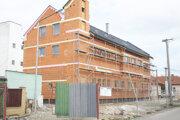 Stavba trstenskej hasičskej zbrojnice sa predražuje aj roky po jej dokončení.