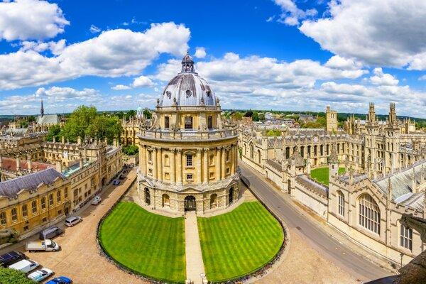 Slovenských študentov, ktorí si dali za cieľ štúdium na Oxforde najviac zaujíma, za akých podmienok budú môcť v Anglicku študovať.