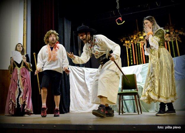 Jááánošííík od Stanislava Štepku je najhrávanejšou hrou Hriňovského divadla.