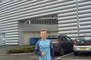 Skúšku absolvoval aj v konkurenčnom Manchester City.