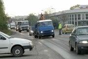 Dopravu na problematickej križovatke za nadjazdom v minulosti riadila polícia.