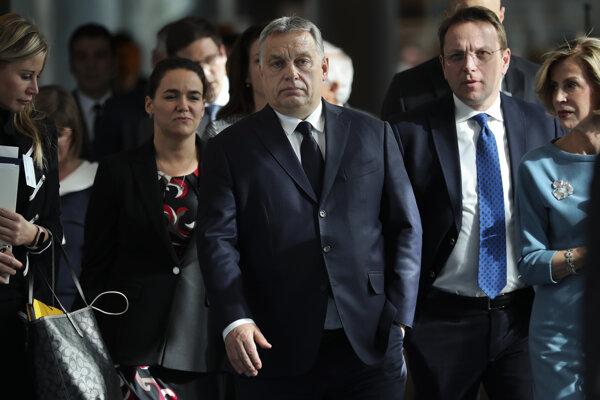 Maďarský premiér Viktor Orbán prichádza na zasadnutie európskych ľudovcov v Bruseli.