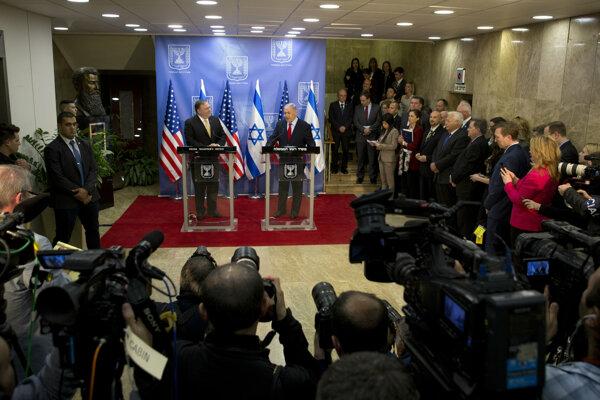 Americký minister zahraničia Mike Pompeo a izraelský premiér Benjamin Netanjahu.