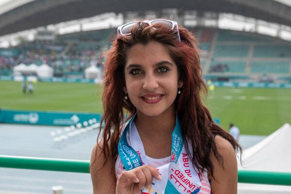 Na snímke Adela Mižigárová, ktorá získala zlatú medailu v skoku do výšky na 15. Svetových letných hrách Špeciálnych olympiád v Spojených arabských emirátoch v Abú Zabí.