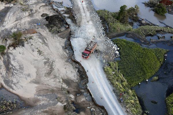 Cyklón spôsobil značné škody.