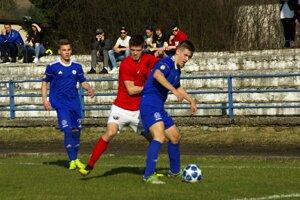 49b4a15c08338 Regionálny futbal: Čadca prehrala, Kysuca sa dotiahla na lídra ...