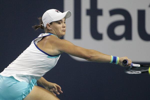 Ashleigh Bartyová v zápase proti Petre Kvitovej na turnaji v Miami.