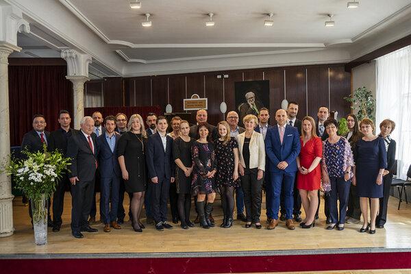 Učitelia a vychovávatelia škôl Bratislavského samosprávneho kraja, ktorým župa udelila ocenenie pri príležitosti Dňa učiteľov.