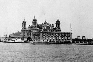 ilustračné foto, Ellis island v New Yorku bol prvým kontaktom s vysnívaným kontinentom.