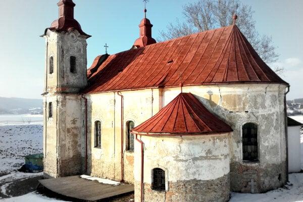 Kostol svätého Štefana kráľa je vzácnou anárodnou kultúrnou pamiatkou. (FOTO: MARIO HUDÁK)