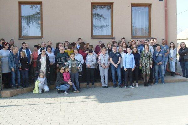 Kraskovci na rodinnom stretnutí v Tekovských Lužanoch.