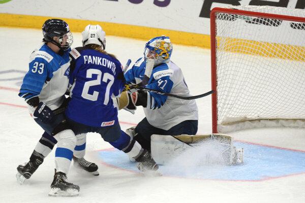 Momentka zo zápasu žien USA - Fínsko.