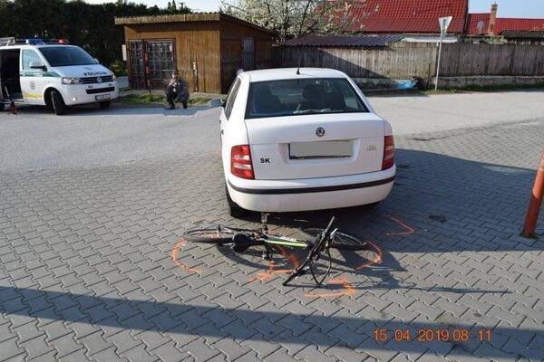 Z miesta nehody v Jablonici.