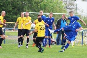 V takmer derby zápase V. Zálužie remizovalo s Patou 2:2.