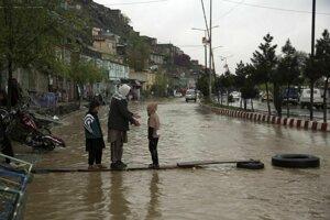 Zaplaavená ulica v Kábule
