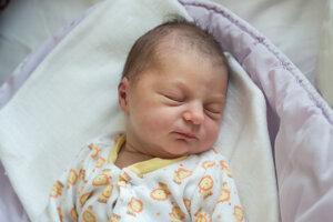 Eliška Bobiková (2830 g, 48 cm) sa narodila 5. apríla Lenke a Tiborovi z Ivanoviec.