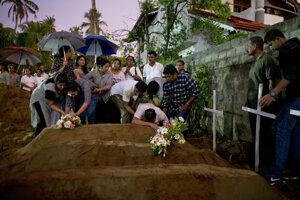Útoky si vyžiadali viac ako 250 obetí.