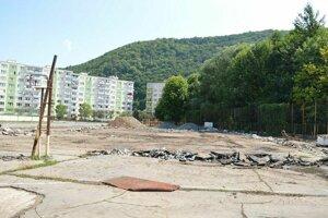 Budovanie ihriska pri ZŠ Radvanská