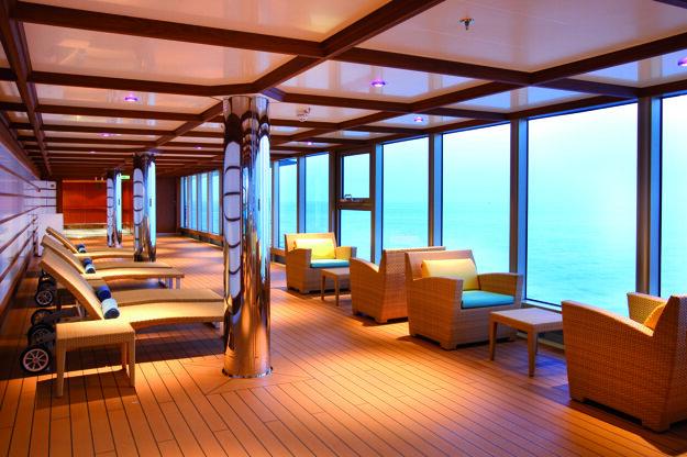 Relaxačná časť na lodi Costa Luminosa