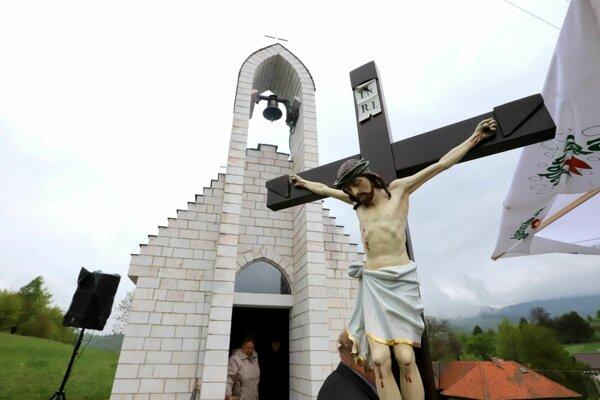 Kaplnka je prvou sakrálnou stavbou vHriňovej v21. storočí. Požehnali ju v nedeľu počas svätej omše.