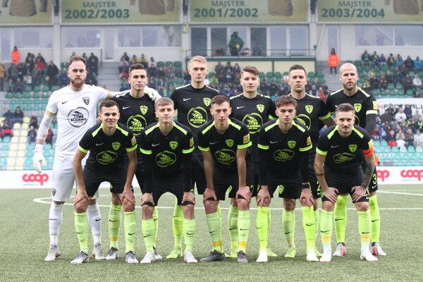 """Jedenástka """"originálnych šošonov"""", ktorá nastúpila na ligový zápas proti Dunajskej Strede."""