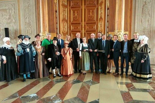 Slávnostného otvorenia Fuggerovskej cesty v Augsburgu sa zúčastnili aj zástupcovia mesta Banská Bystrica.