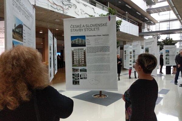 Výstava České a slovenské stavby storočia je prístupná verejnosti v budove Technicom.