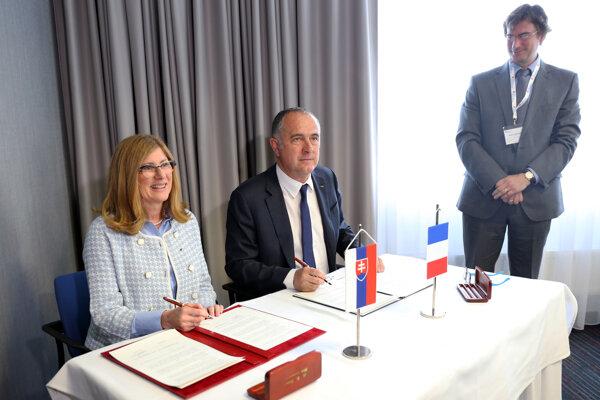 ministerka pôdohospodárstva a rozvoja vidieka Gabriela Matečná a francúzsky minister poľnohospodárstva a potravinárstva Didier Guillaume.
