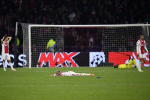 Hráči Ajaxu Amsterdam po inkasovanom góle.