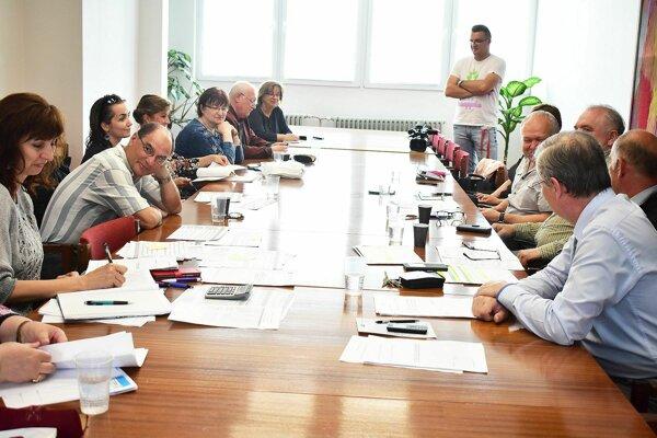 Komisia pre školstvo a kultúru uvítala návrh na zmenu nariadenia, ktoré má priniesť používanie nového symbolu mesta.