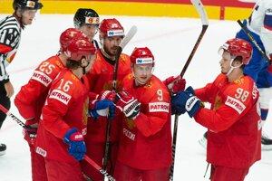 Na snímke radosť ruských hokejistov po strelení druhého gólu v zápase proti Nórsku na MS v hokeji 2019.