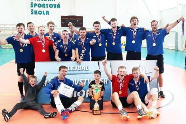 Juniori VKP SPU sa v Trenčíne tešili zo zlata na M-SR, rovnako ako týždeň predtým kadeti.